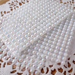 Półperełki 4 mm białe opalizujące