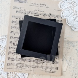 Pudełko z okienkiem kwadratowe czarne