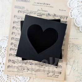 Pudełko z sercem kwadratowe czarne