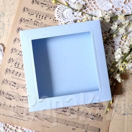 Pudełko na kartkę kwadrat z okienkiem niebieski pastelowy