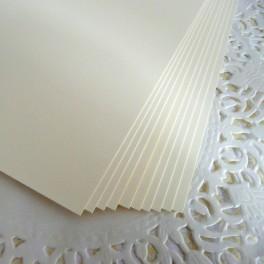 Papier bazowy A4 kremowy 5 szt.