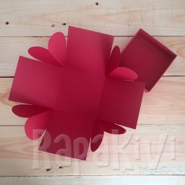 Exploding box z sercami bordo