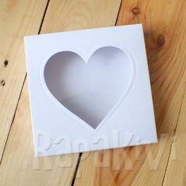 Pudełko z sercem kwadratowe, 300 g, białe