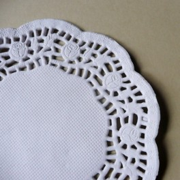 Serwetki papierowe 10 cm białe 10 szt.